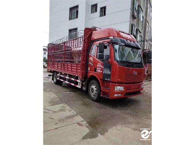 一汽解放 小解放 6.8米单桥车载货车
