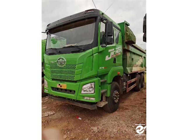 青岛解放 JH6 重卡 375马力 6X4 5.6米自卸车(CA3251P25K15L3T1E5A80)