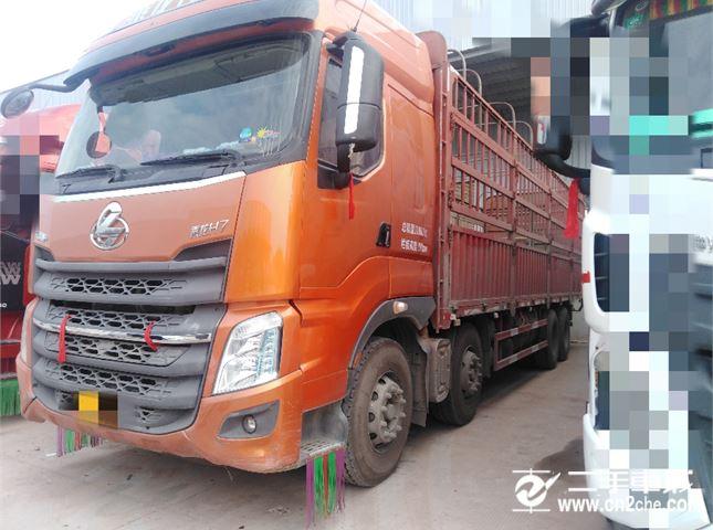 东风柳汽 乘龙H7 H7重卡 350马力 8X4 9.6米仓栅式底盘
