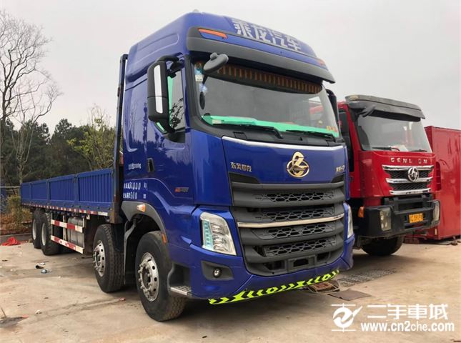 東風柳汽 乘龍H7 420動力8X4載貨車