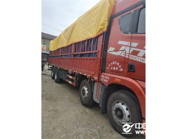 青岛解放 JH6 JH6重卡 350马力 8X4 9.5米载货车底盘