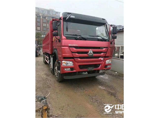 中国重汽 豪沃 420马力前四后八自卸车