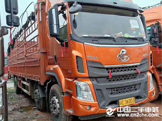 东风柳汽 乘龙M5 M5重卡 270马力 6X2 9.6米厢式载货车
