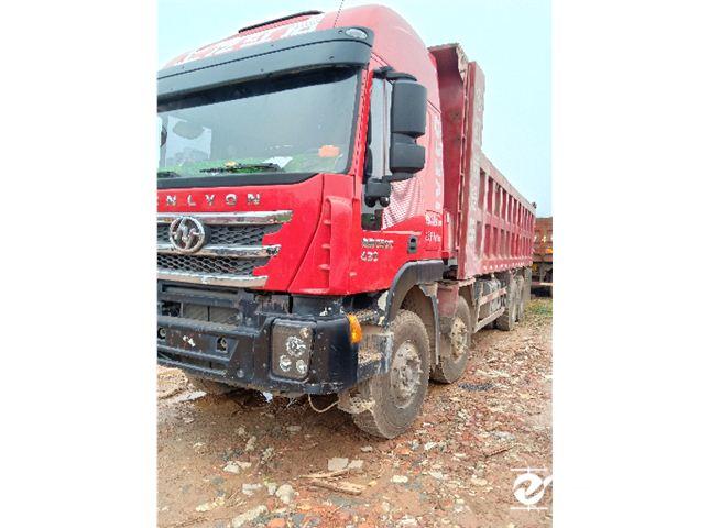 上汽红岩 杰狮 C100重卡 430马力 8X4 7.8米自卸车(高顶)(CQ3315HXVG426