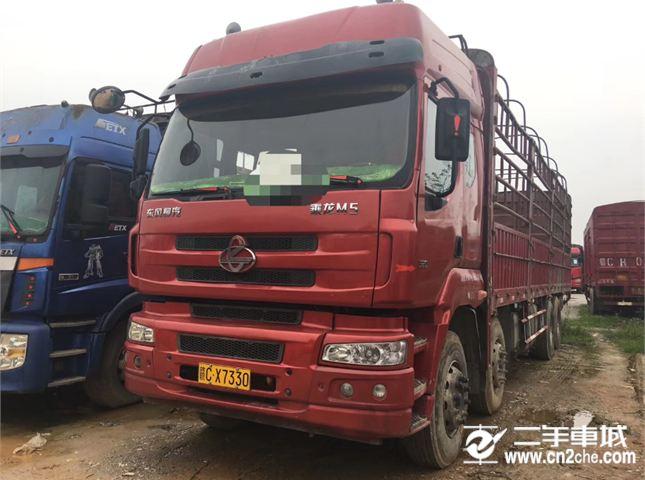 东风柳汽 乘龙M5 重卡 320马力 8X4 9.6米排半仓栅载货车底盘(LZ5311CCYM5FA)