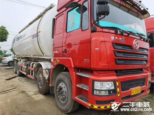 陕汽重卡 德龙X3000  375马力 6X4牵引车(SX42564T324)