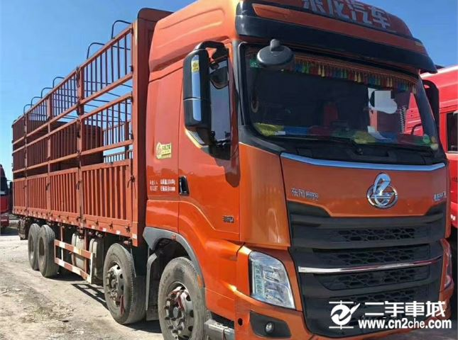东风柳汽 乘龙 H7重卡 350马力 8X4 9.6米仓栅式