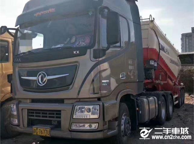 东风 天龙 旗舰重卡 560马力 6X4牵引车