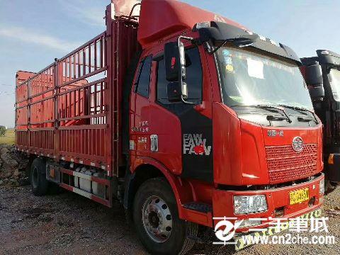 一汽解放 J6L 中卡质惠版220马力4X2 6.75米栏板载货车底盘