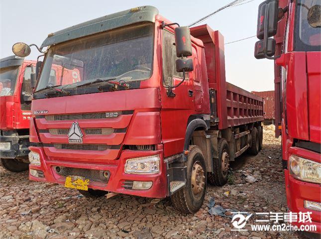 中國重汽 豪沃 前四后八載貨車