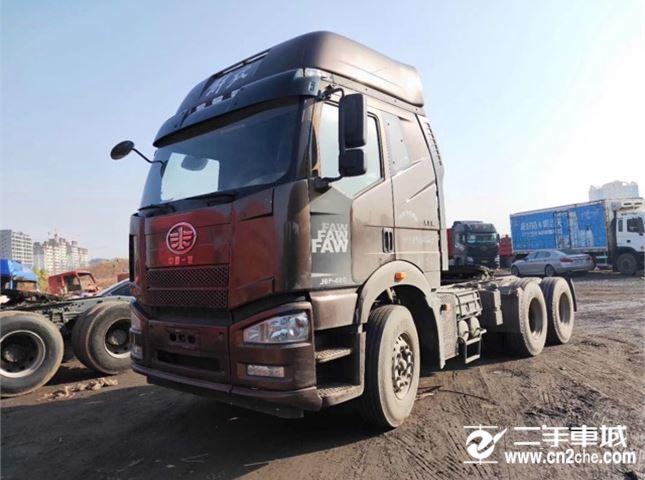 一汽解放 J6P 420动力6X4牵引车