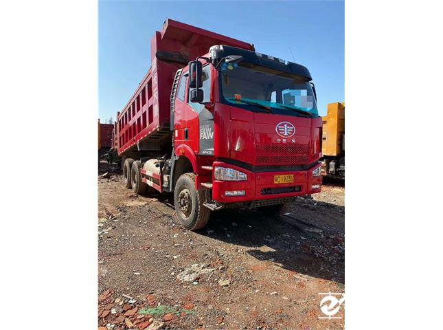 一汽解放 J6P 重卡420馬力6X4自卸車底盤6.4米