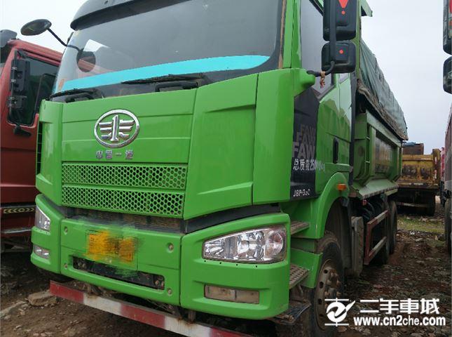 一汽解放 J6P 重卡350馬力6X4LNG自卸車6米