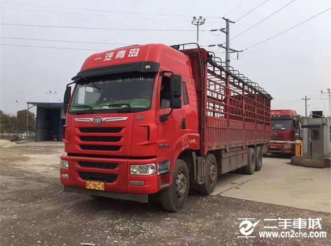 青岛解放 途V 载货车 重卡 350马力 8X4 9.5米仓栅式载货车
