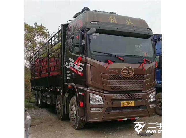 青岛解放 JH6 H6重卡 420马力 8X4 9.5米仓栅式载货车(3.727速比)