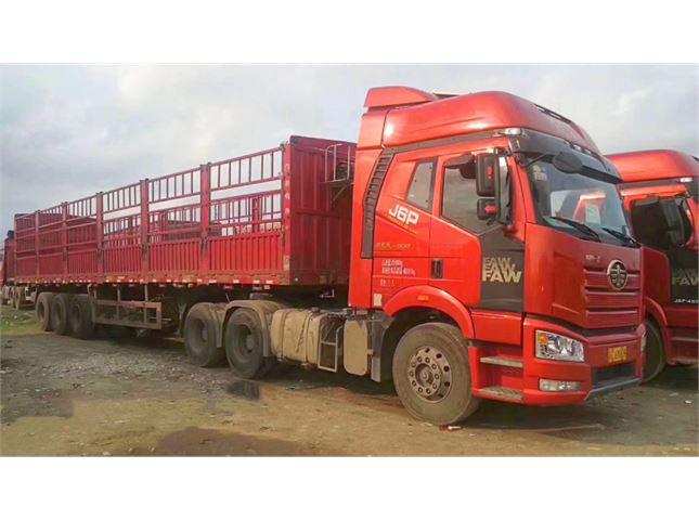一汽解放 J6P  新J6P重卡 領航版 500馬力 6X4牽引車(CA4250P66K25T1A1E5)