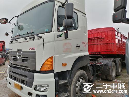 日野 广汽700系列  700系列重卡 450马力 6X4 牵引车(高顶)