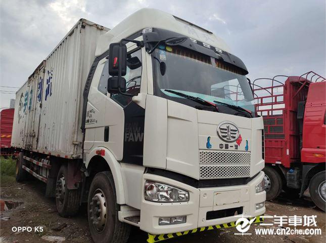 一汽解放 J6P 280马力9.6米前四后四厢式载货车