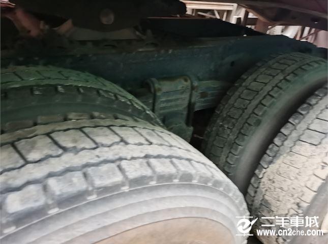 青岛解放 悍V 400双驱气车
