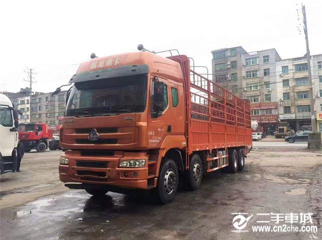 东风柳汽 乘龙M5 310马力9.6米前四后八仓栅载货车