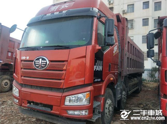 一汽解放 J6P   500马力,8.2米车厢