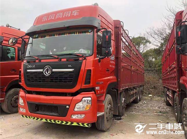东风 天龙 450马力9.6米前四后八仓栅载货车