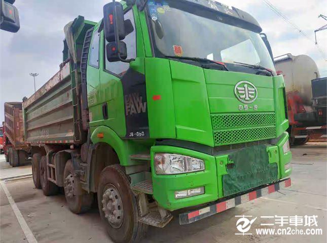 一汽解放 J6P 重卡350马力8X4自卸车6米