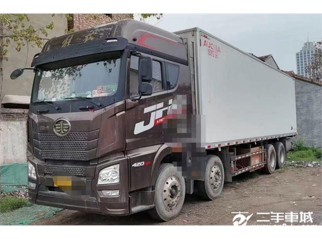 青岛解放 JH6 420马力冷藏车