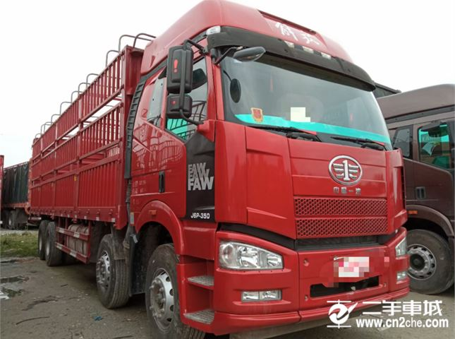 一汽解放 J6P 重卡 350马力 8×4 栏板式 排半 载货车(CA1310P66K2L7T4E5)
