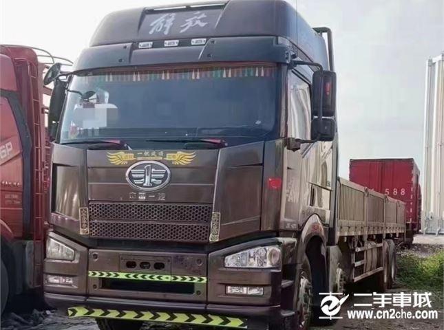 一汽解放 J6P 420馬力平板載貨車