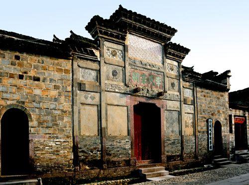 访中国四大神秘美丽古寨图片