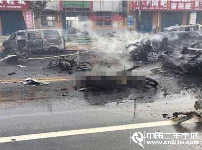 山东蓬莱一汽车爆炸致三人当场死亡 警方:初步判定为刑事案件