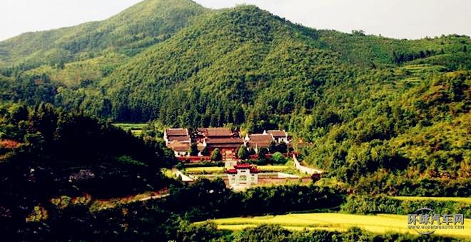 江西黎川县寿昌禅寺坐落于风景优美的洵口镇香炉山