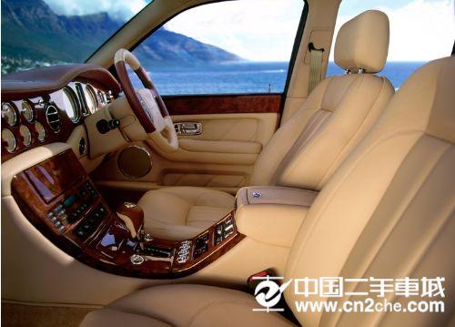 汽车座椅调整怎样才最好 男女司机都适用