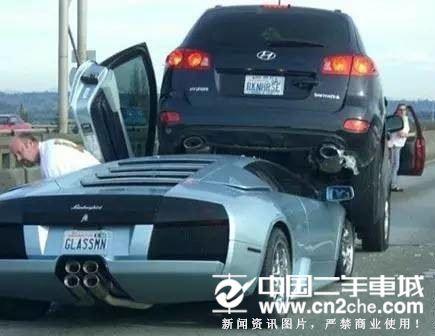 各种奇葩车祸现场,真让人哭笑不得!