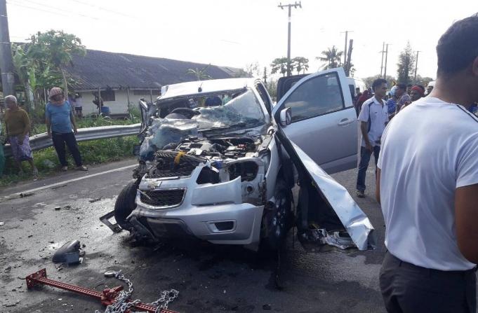 泰货车面包车相撞车祸 10人受伤有4人为中国游客