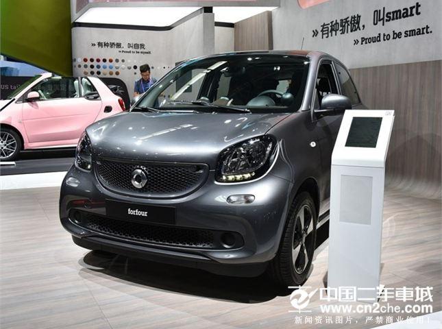 不久后上市 smart forfour新车型亮相
