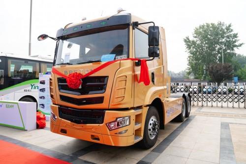 专注新能源智慧运力 博雷顿发布全新纯电动重型牵引车