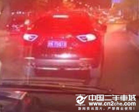 北京玛莎拉蒂挡急救车被罚 曝光医生却遭质疑