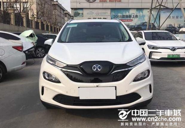 将于上海<a href='http://news.cn2che.com/html/list_12_1.html' target='_blank'>车展</a>上市 北汽新能源EX3实车图