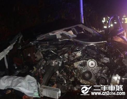 贵阳高速车祸致1死2伤 <a href='http://www.cn2che.com/buycar/' target='_blank'>汽车</a>失控撞护栏