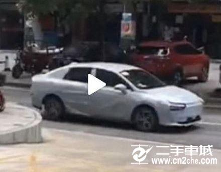 《【天富登录app】小鹏新车路车图片亮相 比小鹏P7好吗?》