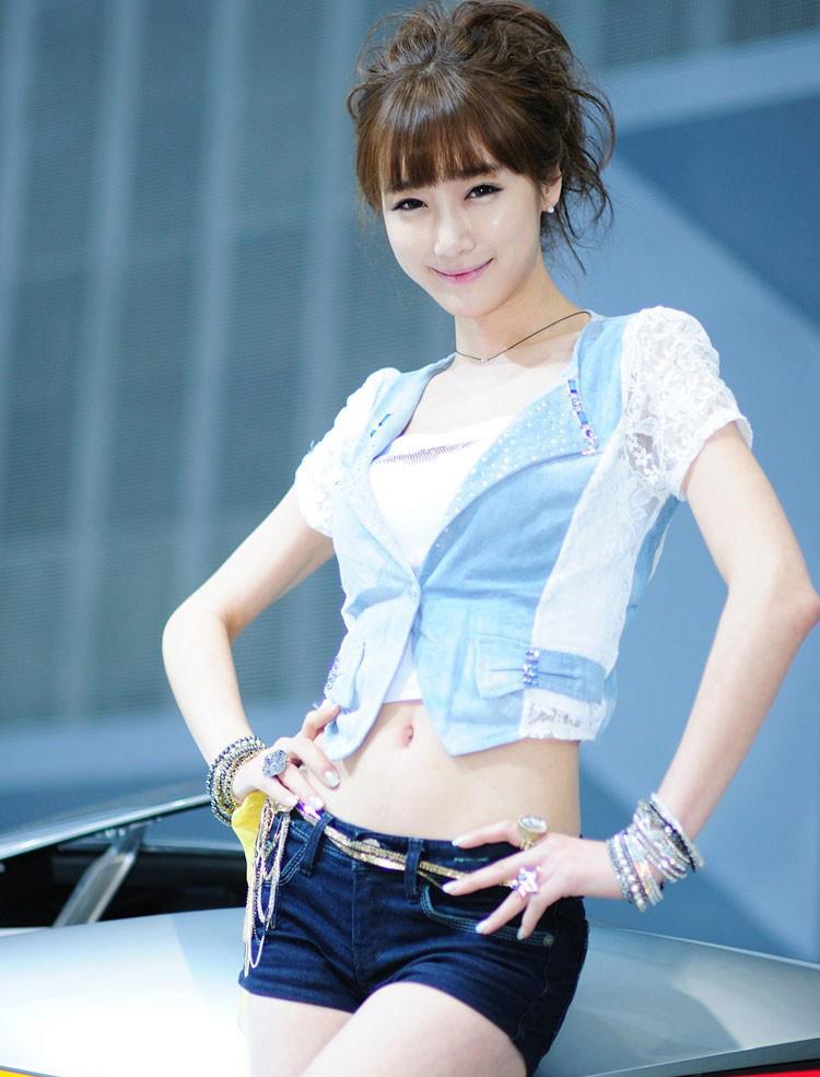 中国二手车城车展美女频道提供大量