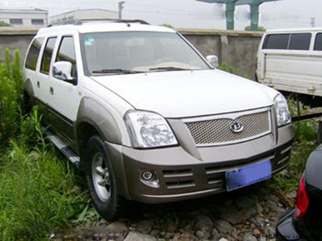 宝龙 霸道 2003款 3.4自动 四驱