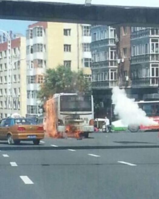 公交车自燃