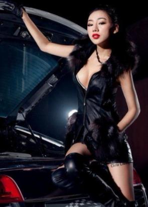 穿丝袜的性感美女车模 美丽无极限