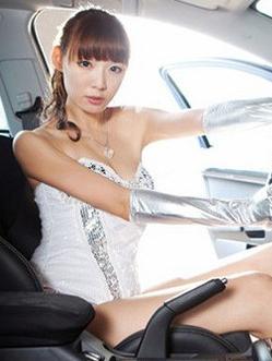 洋溢着年轻的朝气 青纯美女车模分享