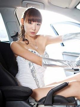 清纯美女车模分享 青春靓丽美女的感动