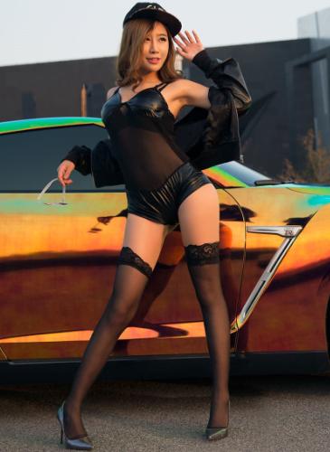 丝袜美腿美女车模 皮衣和改装跑车的潮流
