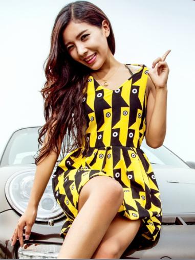 东方美女车模时尚气质 活力青春真性情